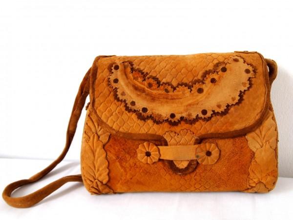 Bolsa feita com couro de cogumelos. Foto: Ecouterre