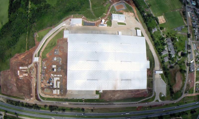 Vista aérea do parque logístico da Renault, em Quatro Barras.