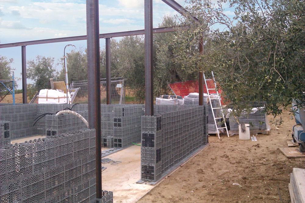 A fundação e as paredes são compostas também por cimento, isopor e água. | Foto: Presanella Building System/Divulgação